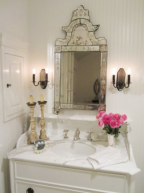 Cute shabby chic style bathrooms 2012 i heart shabby chic for Small romantic bathroom ideas