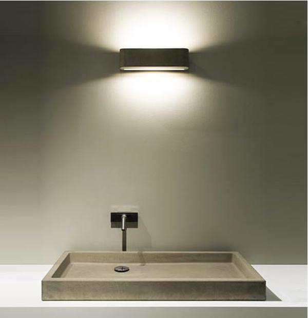 Luci in bagno excellent specchiera e luci with luci in bagno affordable specchio per bagno con for Luci bagno design