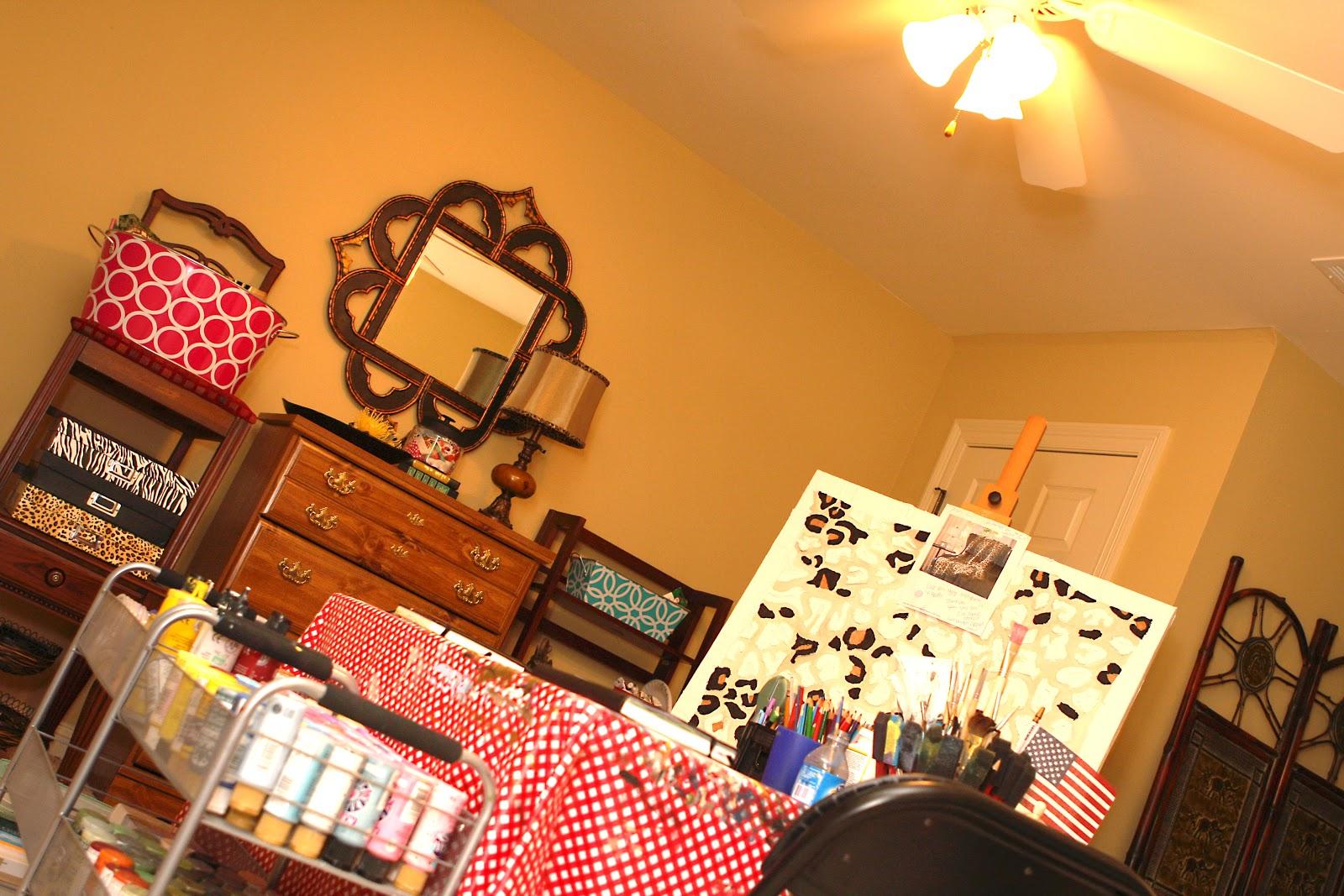 http://2.bp.blogspot.com/-j1a7G3BPlEM/TjjRqAbUNyI/AAAAAAAAAW0/jsDxrsvne24/s1600/art+room+002.jpg