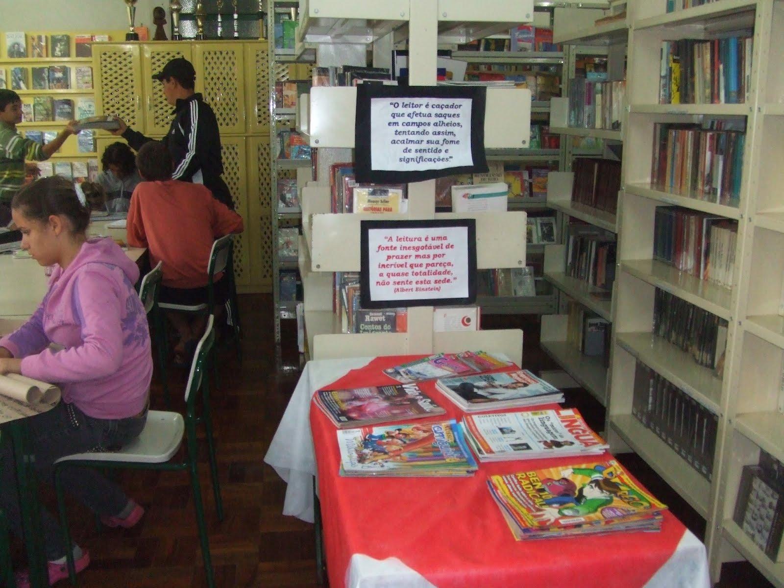 Estadual educa for Distancia entre estantes biblioteca