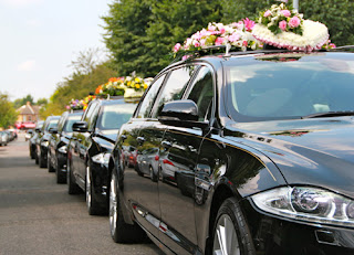 Traslados coche fúnebre. Servicios funerarios en Valencia.