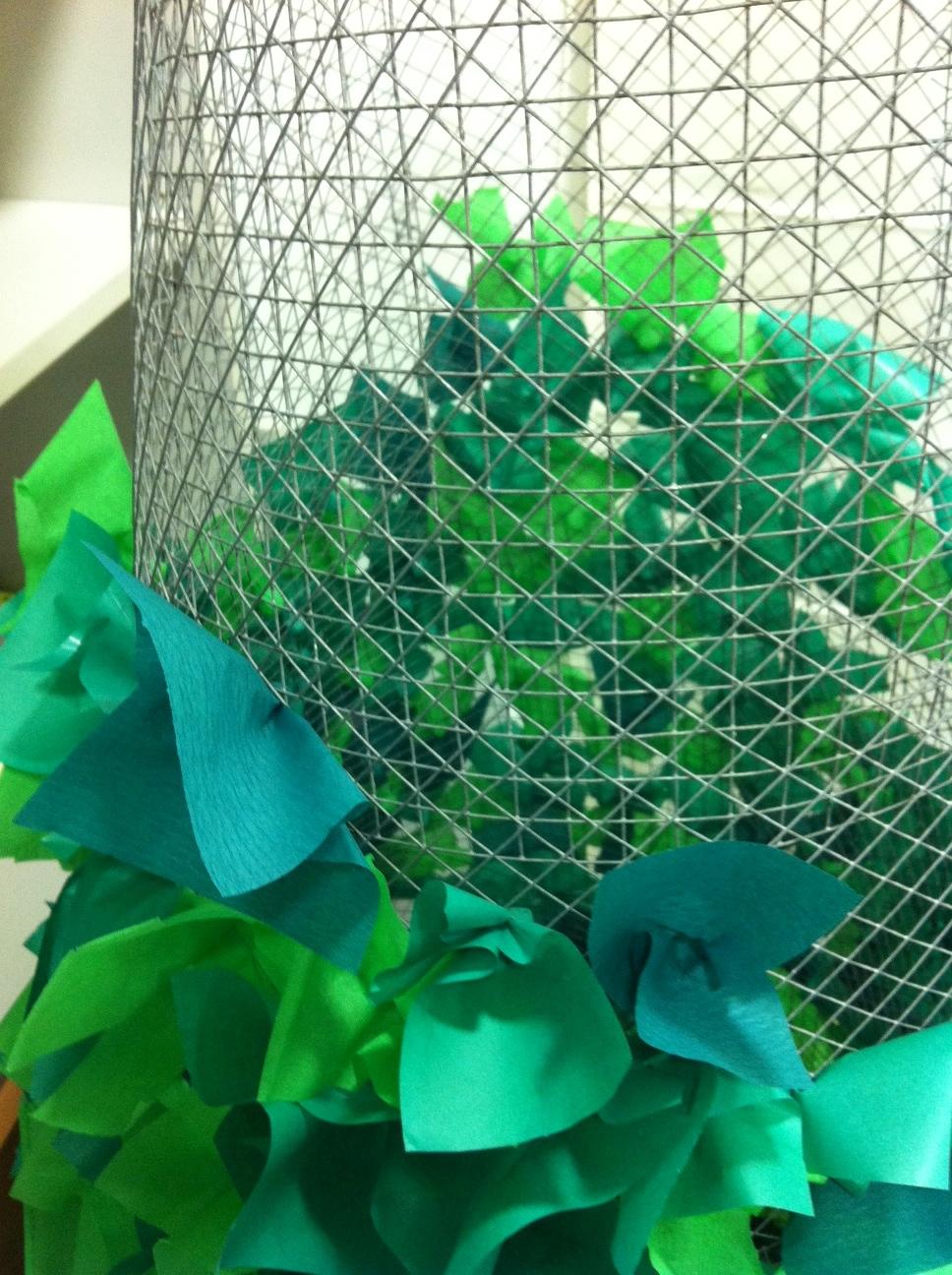 Tutorial rbol de navidad de alambre y papel ministry - Arboles de navidad de papel ...