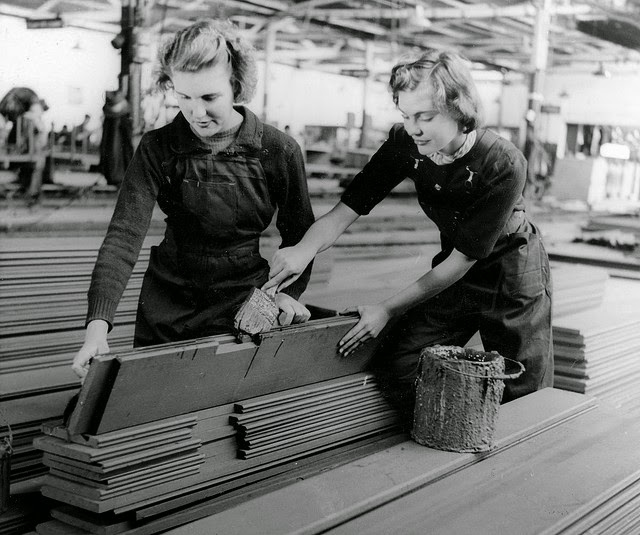 women working during world war 2 Roles for women in wwii  before the war, it was generally expected that a working man was the main provider  nursing could be a dangerous service during the war.
