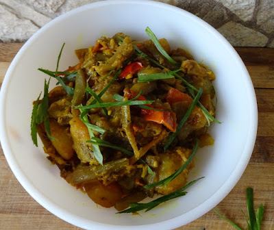 Curried colocasia stems with potatoes