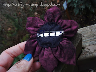 Noodlehead Gathered Clutch, back of flower pin