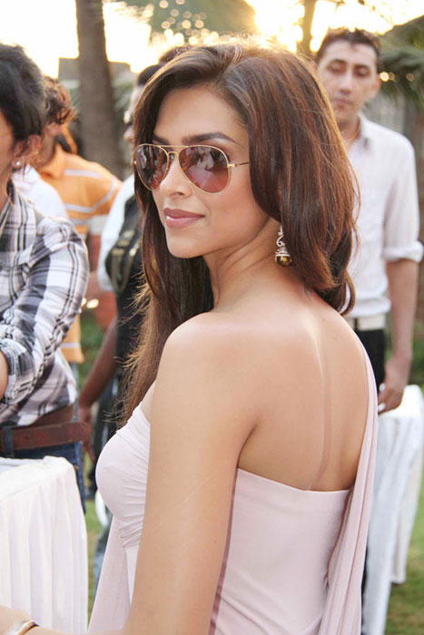 deepika padukone at kingfisher event