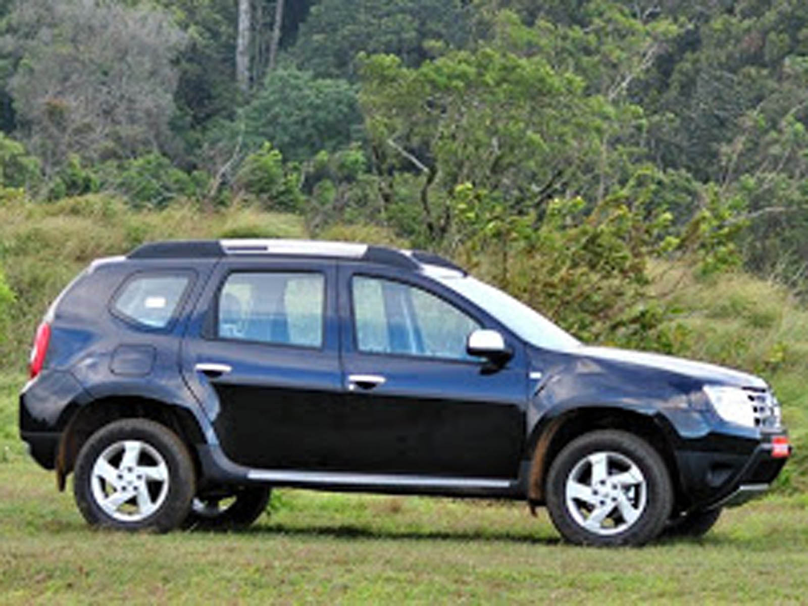 renault duster wallpapers hd wallpapers. Black Bedroom Furniture Sets. Home Design Ideas