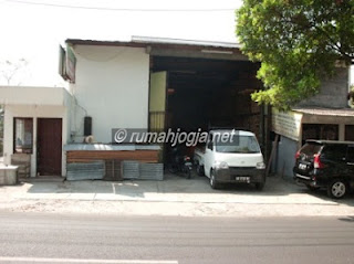 rumah+ruang display dijual di jl palagan jogja