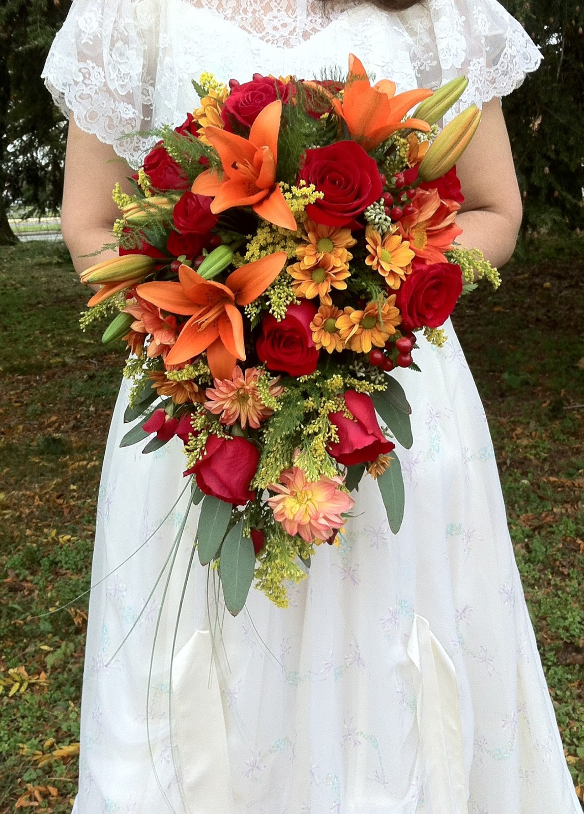 The enchanted petal 2015 autumn bridal cascade by stein your florist co izmirmasajfo