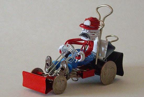 Xe đồ chơi tự chế Mario hái nấm