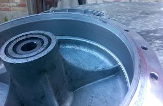 Detalle del tambor de freno delantero rectificado
