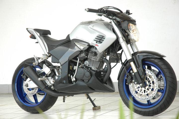 bagaimana Bro/Sis tentang Gambar Modifikasi Motor honda Tiger Revo  title=