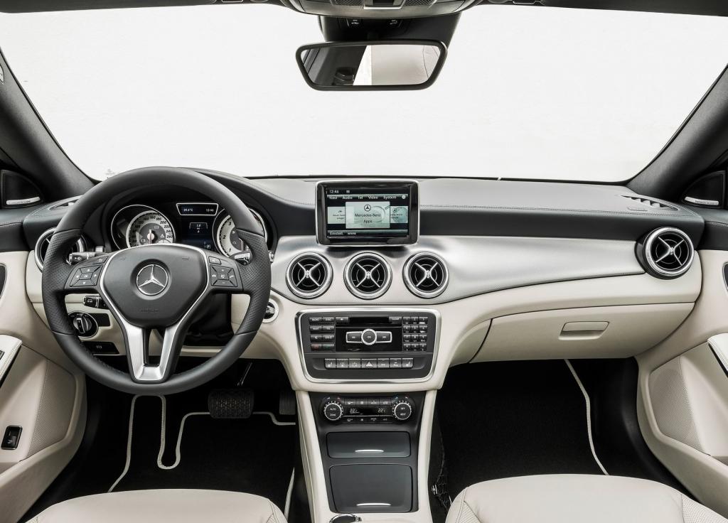 cockpit autom vel conte dos auto apresenta o mercedes benz cla my 2013. Black Bedroom Furniture Sets. Home Design Ideas