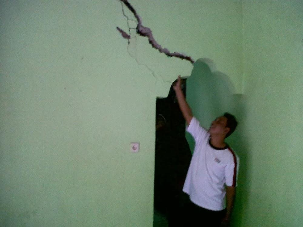 Fenomena Tanah Bergerak di Majalengka, Puluhan Rumah Rusak (Foto)