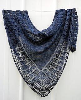 châle-alivia-tricot-indigo