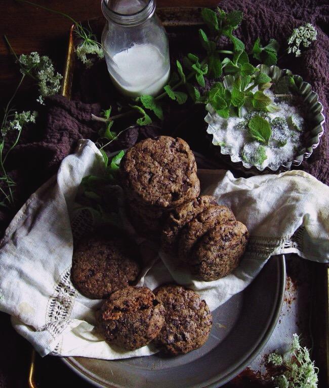 Sir Thomas Sharpe's dark chocolate mint cookies :: une gamine dans la cuisine  #CrimsonPeak
