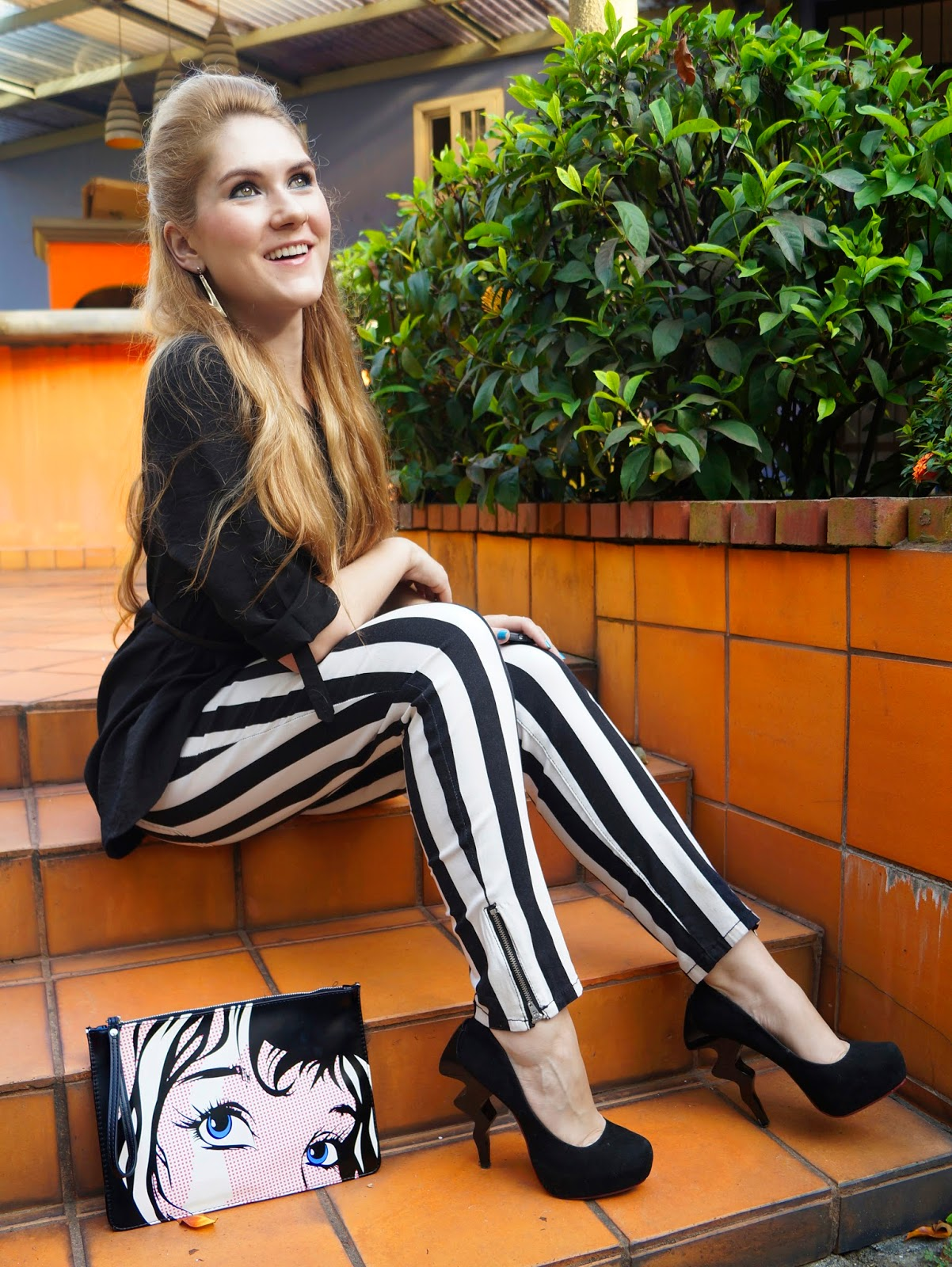 forever21 jeans, asos clutch, striped jeans, modcloth heels, striped pants outfit, easy outfit, fashion blogger, panama fashion, jeans rayas,