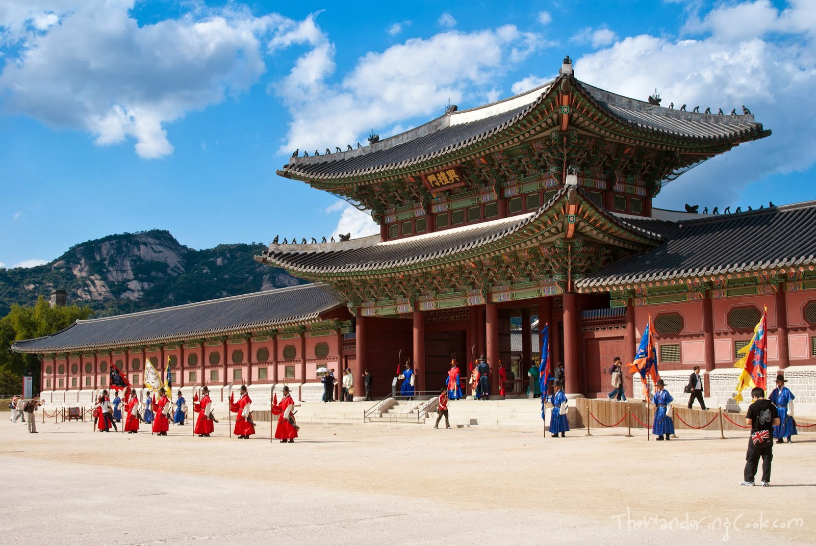 Holiday in Seoul, honeymoon, Jeju island, Seongsan Ilchubong, UNESCO World Heritage, Cheonjiyeon Waterfall, Mount Halla, Dol Hareubang, Jingwansa Temple, Korean dance,