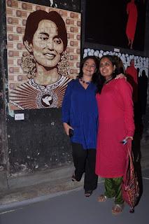 Mahesh Bhatt and Pooja Bhatt at Gaurav Yadav's Art Exhibition