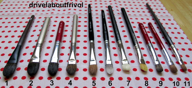 brush comparison Hakuhodo Kokutan MLL, K021, B127BkSl, Chikuhodo Artist 12-6, 6-6, 8-1, Shu Uemura Natural 10, Synthetic 10 ,Louise Young LY09 MAC 239, MAC 242