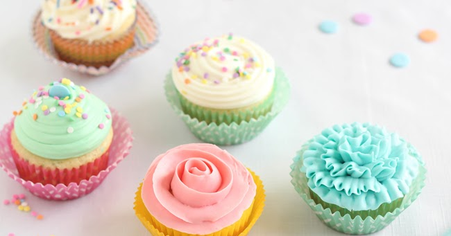 Easy Piping Techniques for Cupcakes