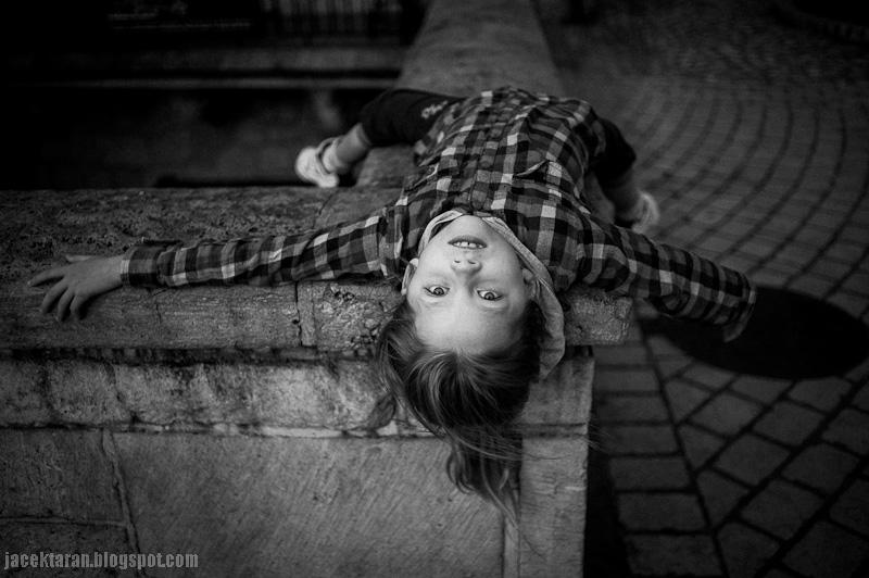 dzieci, portret dziecka, czarno-bialy, krew, jacek taran