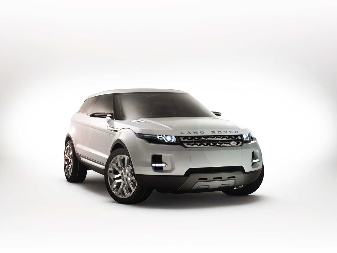 http://2.bp.blogspot.com/-j4yG1d2dCgU/UFhWpgBN-iI/AAAAAAAAElE/WQX_2lUlf5Y/s1600/2012+Range+Rover+Evoque-side.jpg