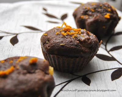 37. Czekoladowe muffiny nadziewane lemon curd