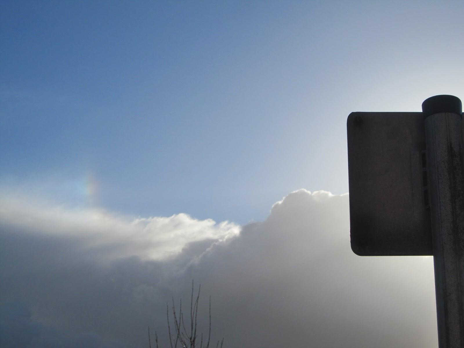 rainbow_sundog_above_clouds+010.JPG