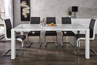 Luxusný biely rozťahovací stôl do kuchyne alebo jedálne v lesklom prevedeni