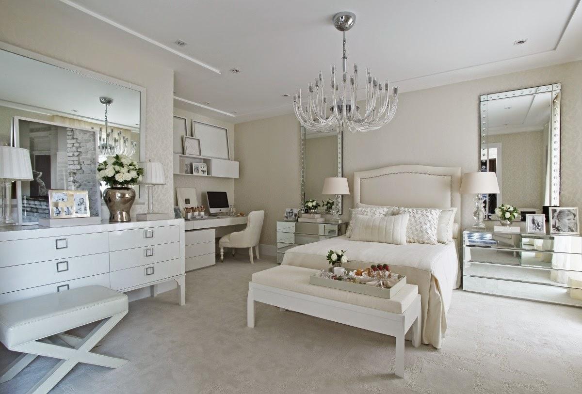 #5C5041 Quartos brancos e off whites maravilhosos – veja modelos e dicas de  1200x813 px projeto de quarto com banheiro e varanda