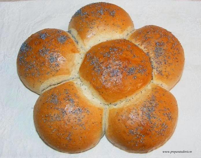 paine, colac, floare, retete culinare, preparate culinare, paine de casa, floare din aluat de paine, colac din aluat de paine, retete panificatie, retete brutarie, retete, retete de mancare, retete de post, floare de paine, paine cu mac,