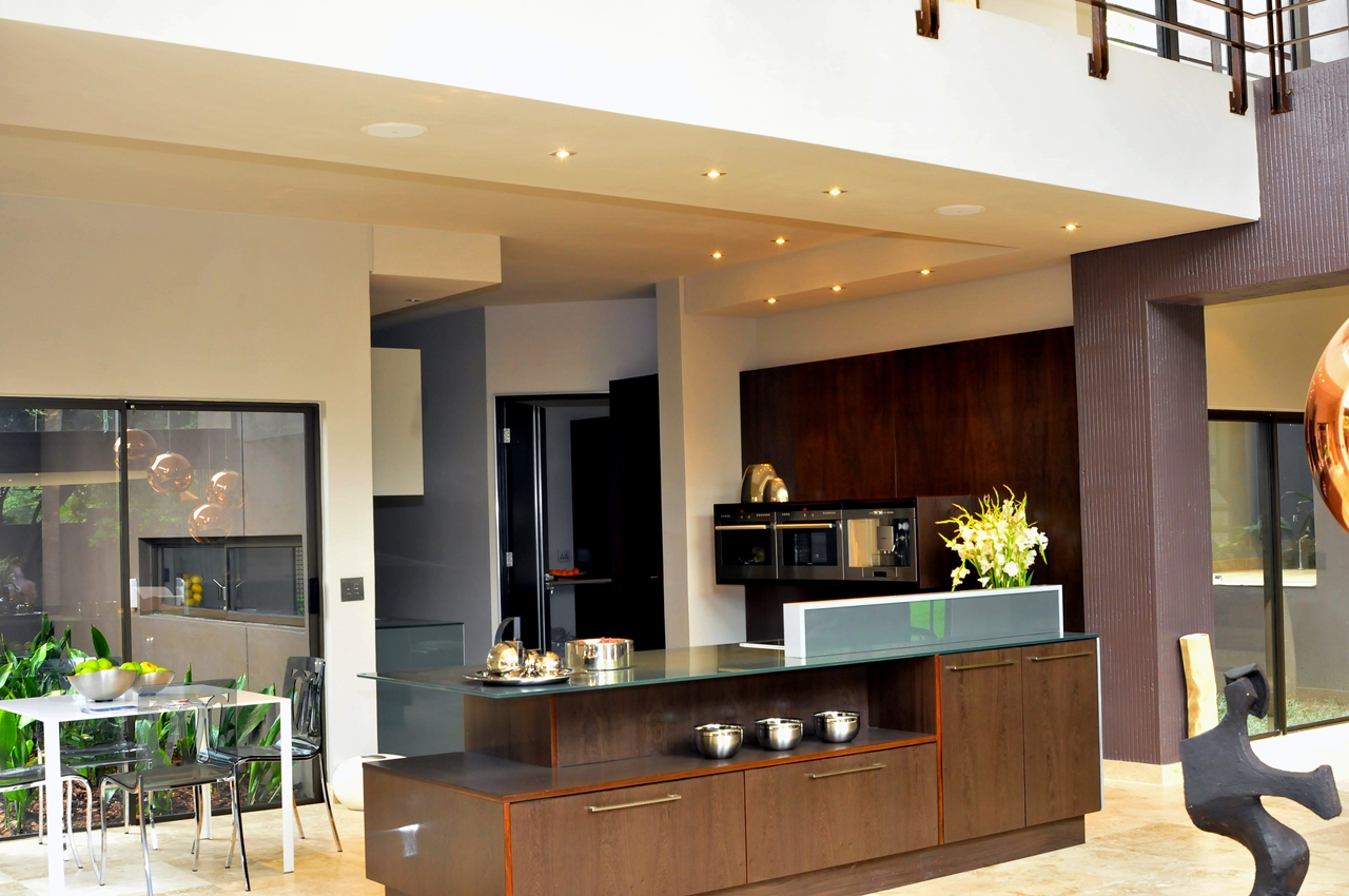 World of architecture home renovation 5 brian rd for Kitchen ideas south africa