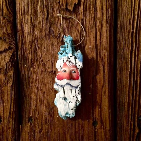 Papa Noel con Madera a la Deriva Pintada, III Parte