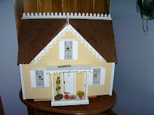 Nancy&#39;s Yellow Dollhouse