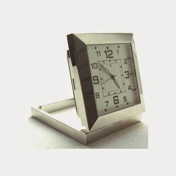 maroc espion horloge camera espion en acier. Black Bedroom Furniture Sets. Home Design Ideas