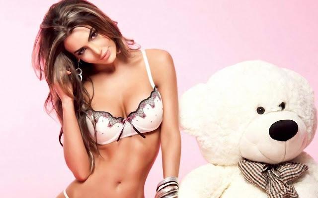 Colombian Model Natalia Velez