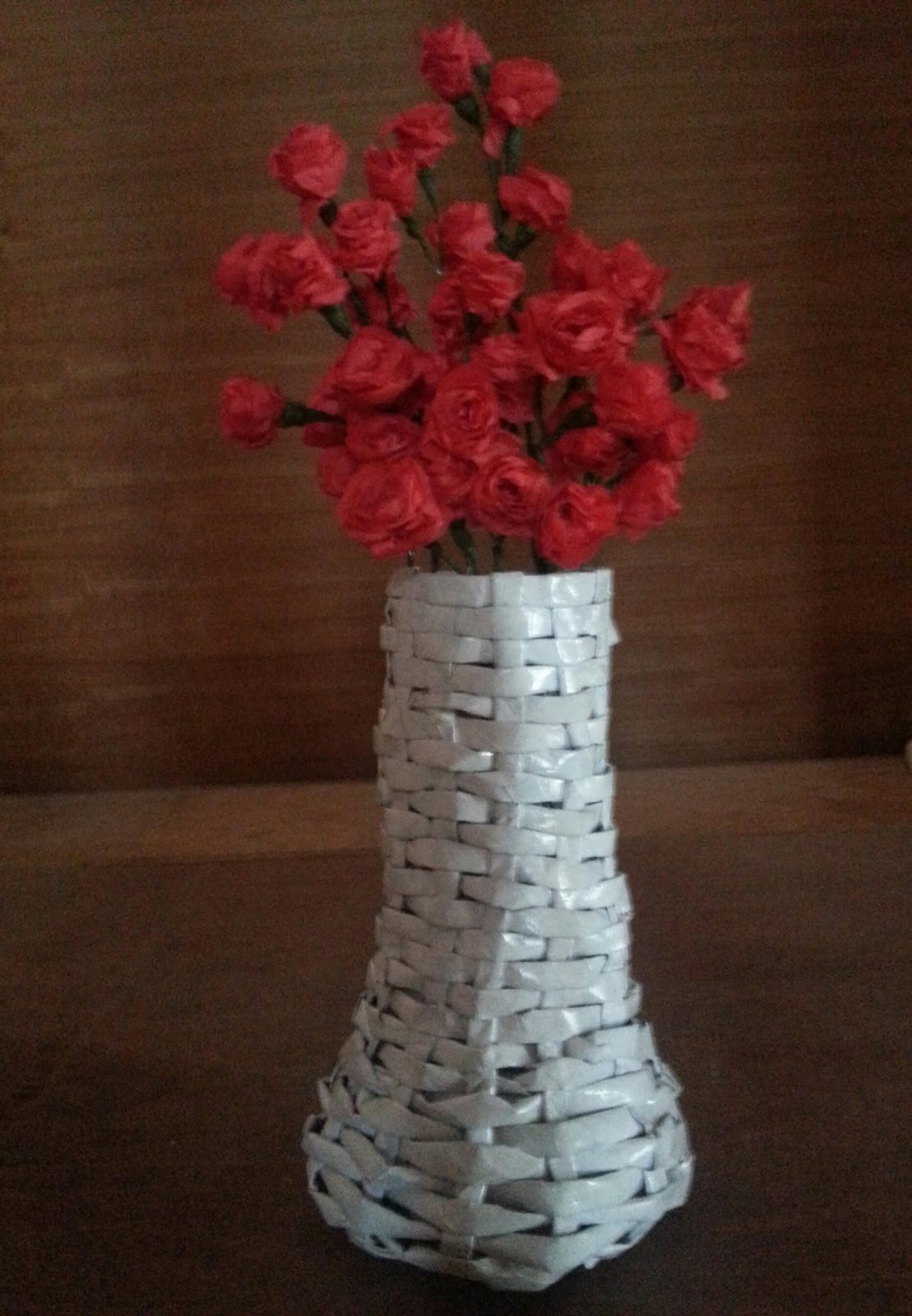 Krafta Impressions My New Newspaper Flower Vase With Red And White