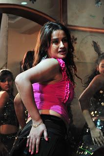Sonia Agarwal Item Song Pictures 007.jpg