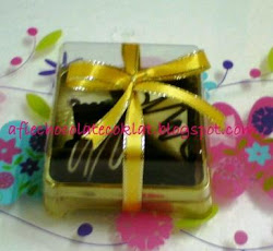 CHOC 2PCS IN GOLD CASE