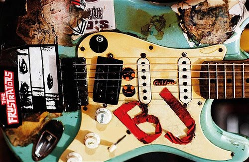 Billie Joe Armstrongs Blue And His Many Other Strats Musicians