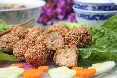 Fried Shrimp with Sesame - Tom tam vung chien