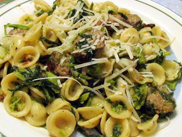 ... Favoriti: Craving Broccoli Rabe with Sausage and Orecchiette Pasta