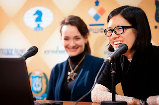 Echecs ronde 4 : Kateryna Lagno (2543) 1/2 Hou Yifan (2618) - Photo Nikolay Bochkarev © site officiel