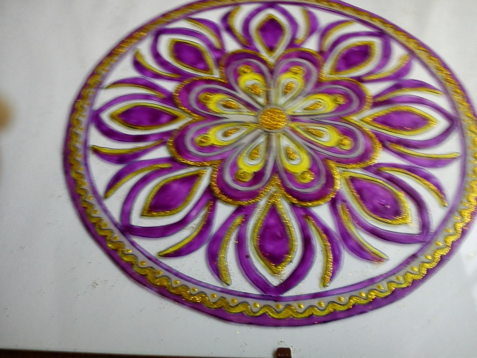 Elizabeth Tolnay's mandalas: The crown chakra