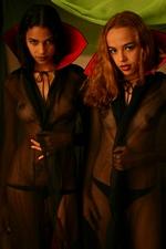 Lesbian Vampires Polliana & Amanda Mirelli