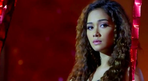 Maja Salvador Bridges of Love