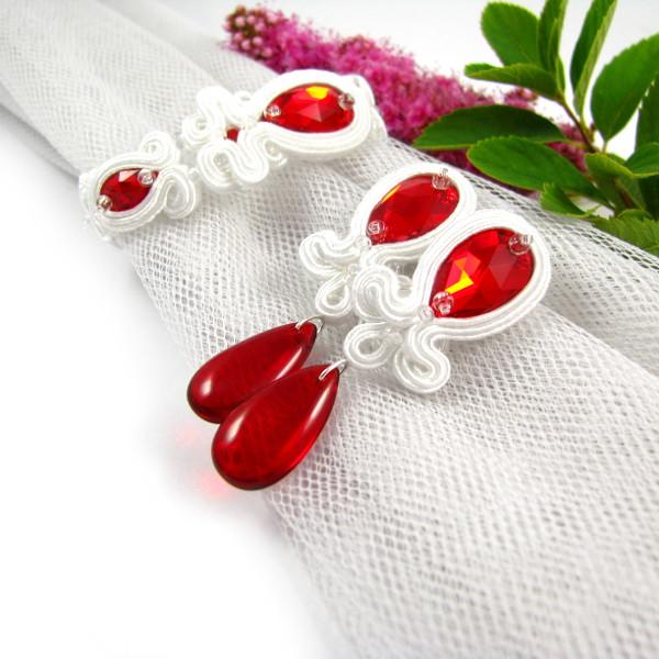 Czerwone kolczyki ślubne sutasz