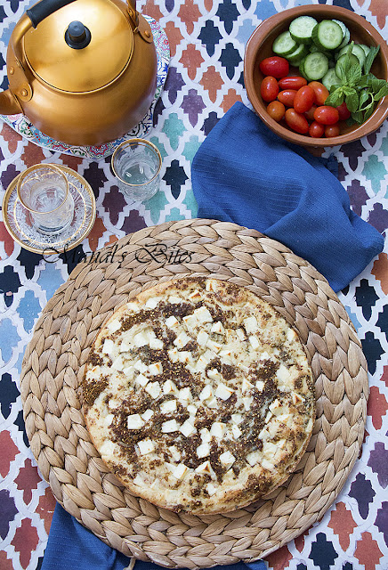 كعكة الزعتر والجبن IMG_5263.jpg