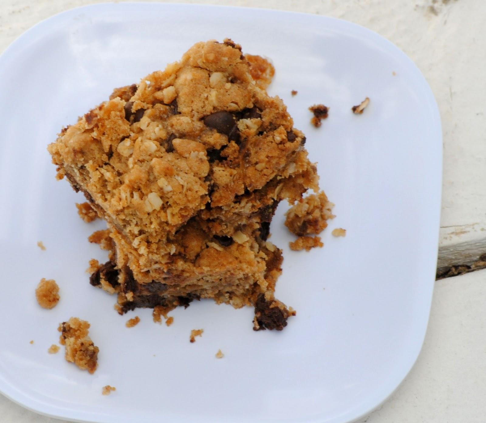 The Farm Girl Recipes: Oatmeal Chocolate Chip Caramel Bars